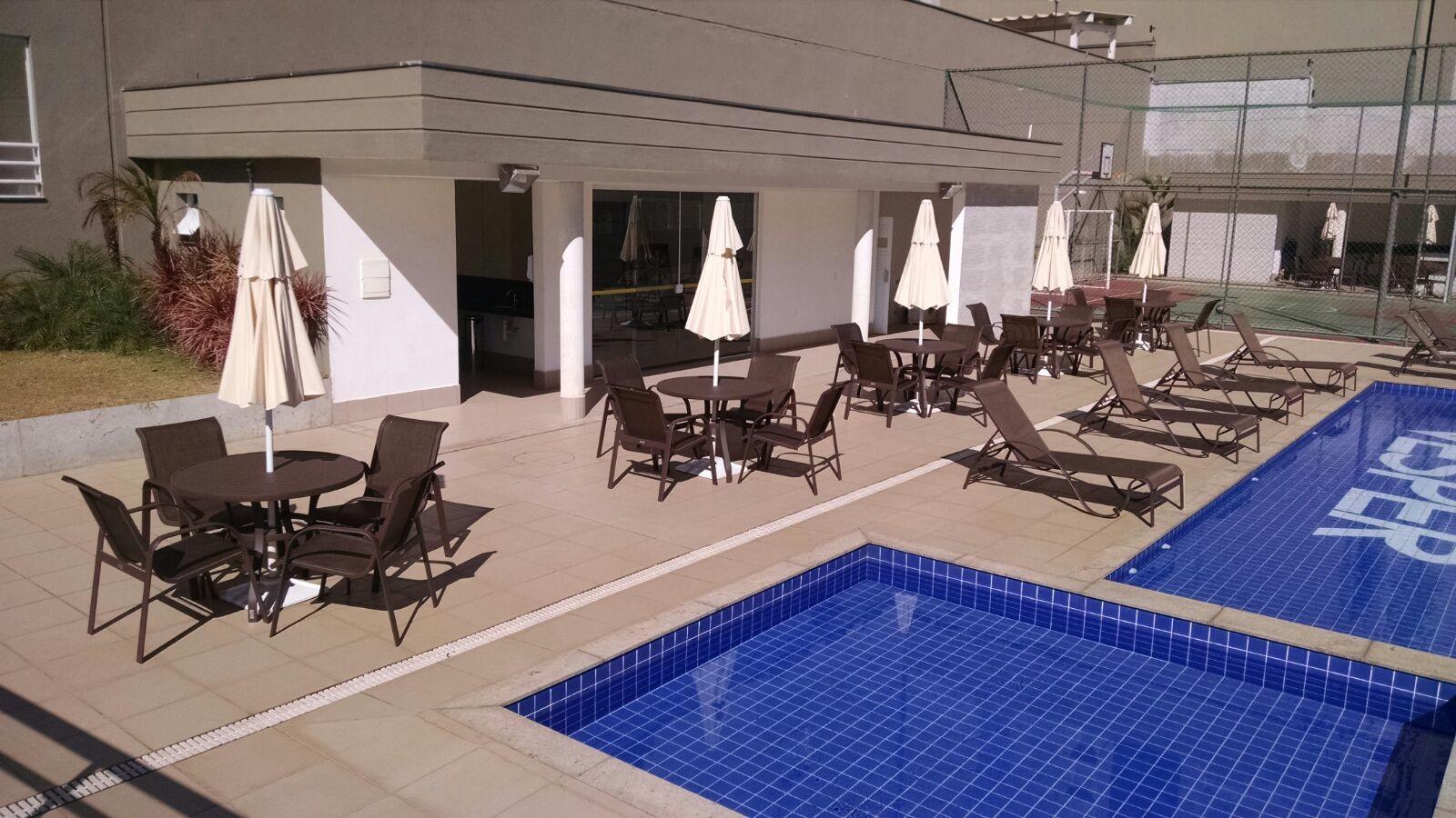 Móveis para piscina de hotel